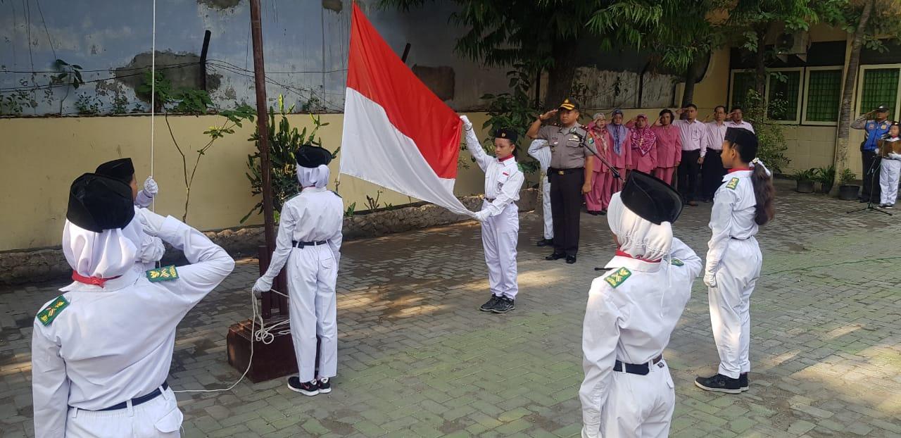 Kegiatan Upacara Bendera, Inspektur Upacara Kapolsek Sulomanunggal Kompol H. Mulyono, SH., M.Hum