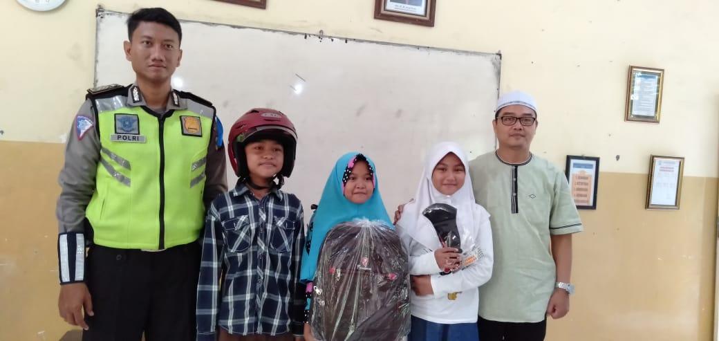 Sosialisasi Safety Ridding dari Satlantas Polrestabes Surabaya & MPM Honda